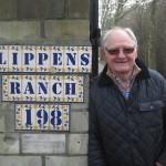 """Dreharbeiten Doku Willi """"Ente"""" Lippens """"Eine Ente im Pott"""" Ente Lippens vor seinem Anwesen. """"Mitten im Pott"""" heißt sein gastronomischer Betrieb in Bottrop"""